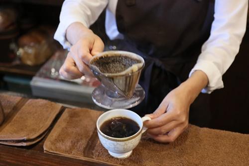 ゴールデン・ドロップの出ているコーヒー抽出
