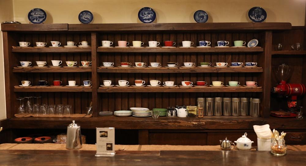 珈琲花の店内コーヒーカップ