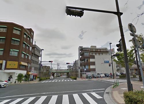 珈琲花への道・セブンイレブンの交差点
