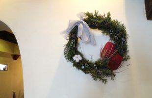 珈琲花・店内のクリスマスリース